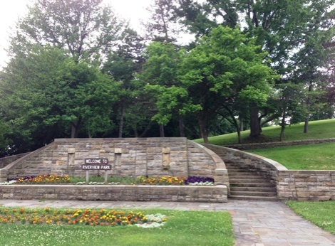 The entrance to Riverview Park